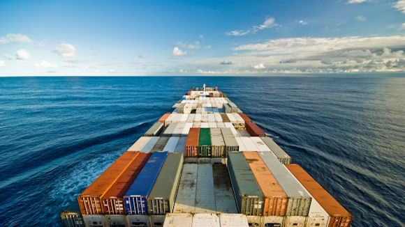 exporting containers in the sea