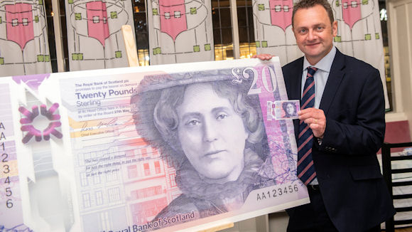 Malcolm Buchanan, chair, Scotland Board, Royal Bank of Scotland, with the new £20 note