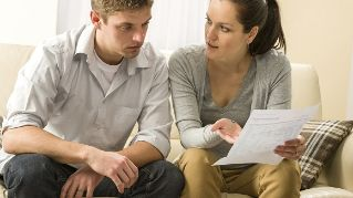 money-problem-couple-580.jpg