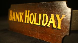 Bank_holiday_sign_580.JPG